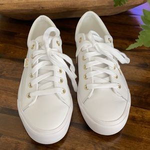 Meds White Leather Shoes Sneakers Tennis Shoes 9